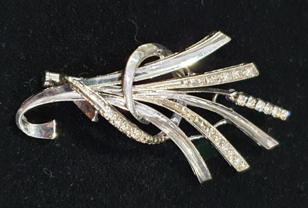 diamond brooch set in 18ct white gold c1930